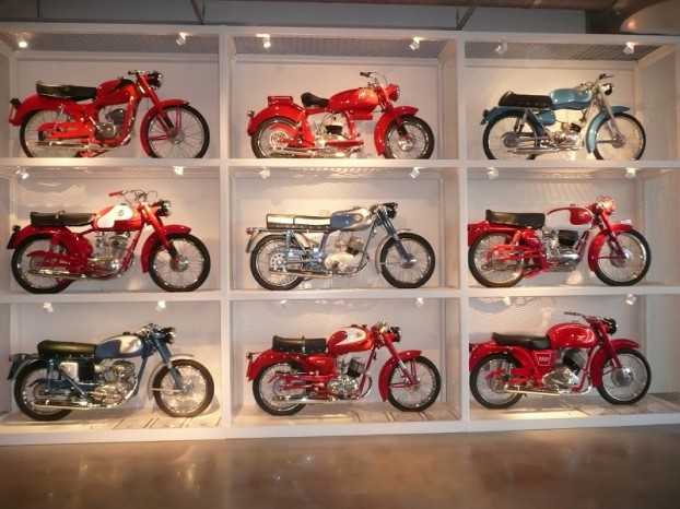 wmb-motorcyclemuseums-Motorcycle-tower-Barber-Motorsports-Leeds-Alabama7-622x466
